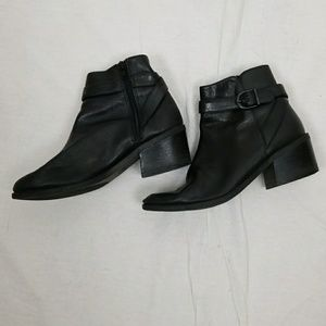 LAURA SCOTT BLACK LEATHER ANKLE BOOTIES SIZE 6.5